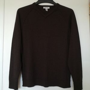 Men's Calvin Klein NWOT V-neck merino sweater .